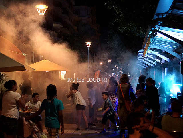 a-fete-text-son-smoke-nice-2013-04349