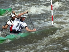 kayaking(0.0), whitewater kayaking(0.0), vehicle(1.0), sports(1.0), rapid(1.0), recreation(1.0), canoe sprint(1.0), outdoor recreation(1.0), kayak(1.0), boating(1.0), canoe slalom(1.0), extreme sport(1.0), water sport(1.0), canoeing(1.0), boat(1.0), paddle(1.0),