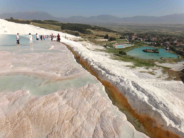 Walk up Pammukale3