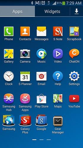 หน้าจอ App tray ของ Samsung Galaxy Note 3 มีการเปลี่ยนแปลงนิดหน่อย คือ เอาพวก App ของ Samsung และ Google มารวมไว้ใน Folder