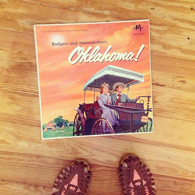 Every Monday morning should start with #music--how's your day going so far? #ohwhatabeautifulmorning #oklahoma #vinyl