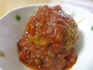 チーズinトマト煮込みハンバーグ