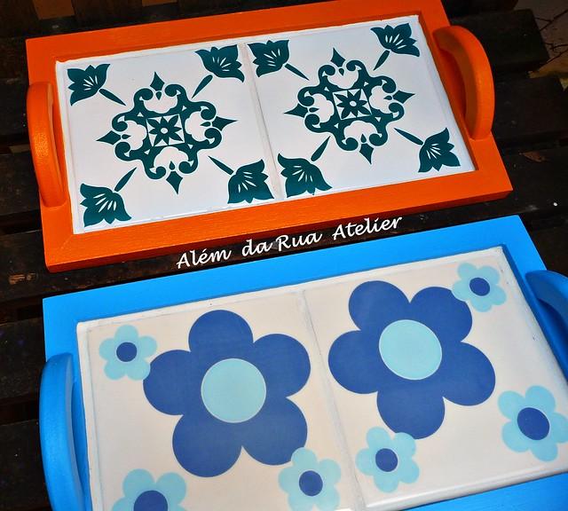 Bandejas coloridas, feitas com azulejos antigos