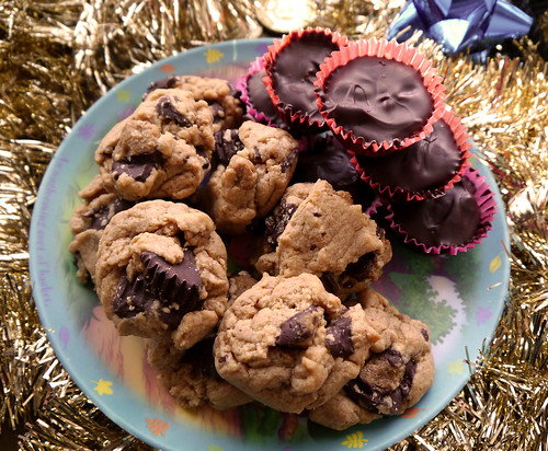 2013-12-22 - VCC Peanut Butter Cup Cookies - 0002