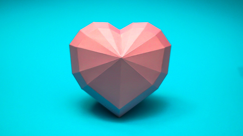 โมเดลของเล่นกระดาษรูปหัวใจ