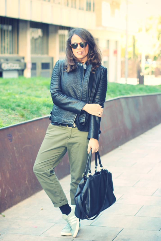 Look Baggy pants + Biker Jacket