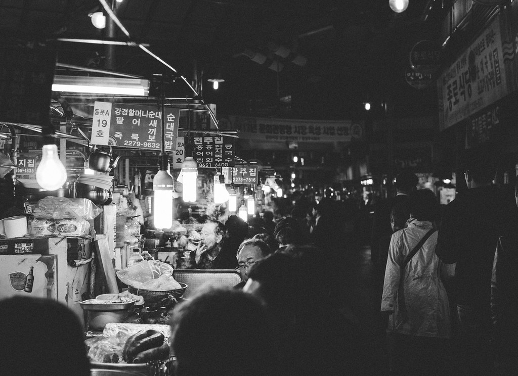Night market, Seoul, B&W