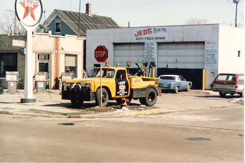 Jed's Texaco gasoline service station. (Gone - Demolished.)  Chicago Illinois.  Early April 1986. by Eddie from Chicago
