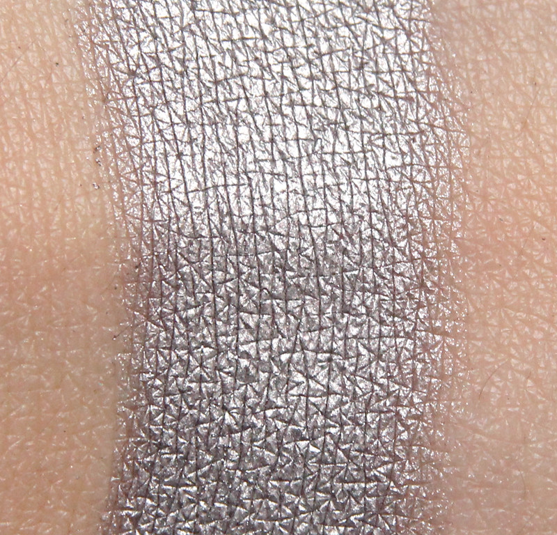 Inglot 152 eyeshadow swatch