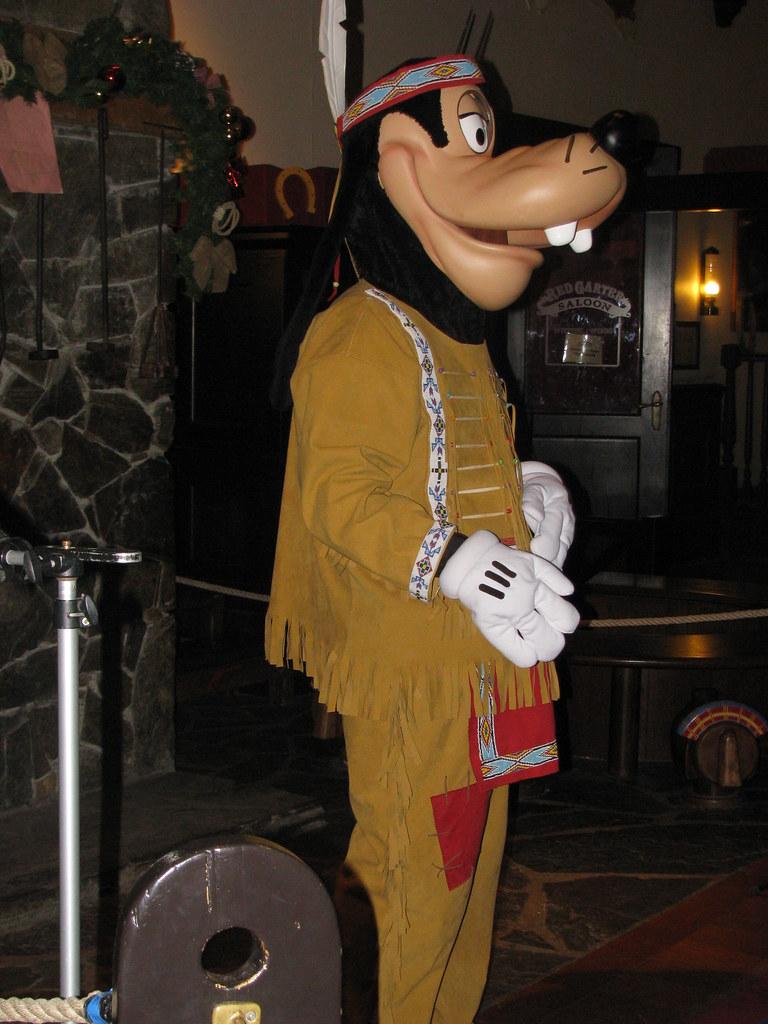 Un séjour pour la Noël à Disneyland et au Royaume d'Arendelle.... - Page 8 13925956935_7e6fb82e4e_b
