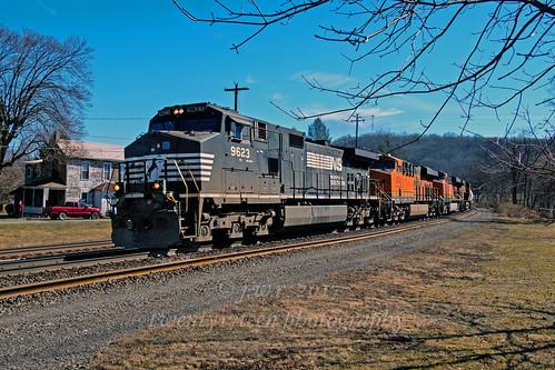 railroads railroad trains train diesels norfolksouthern usa locoomotive transportation