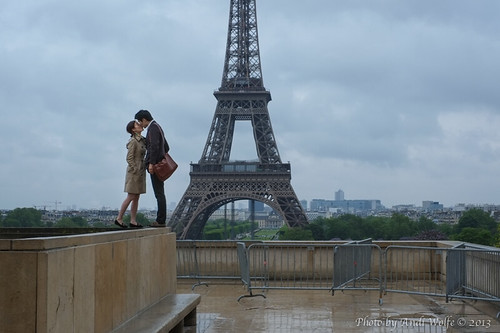 Lovers at Esplanade du Trocadéro by andiwolfe