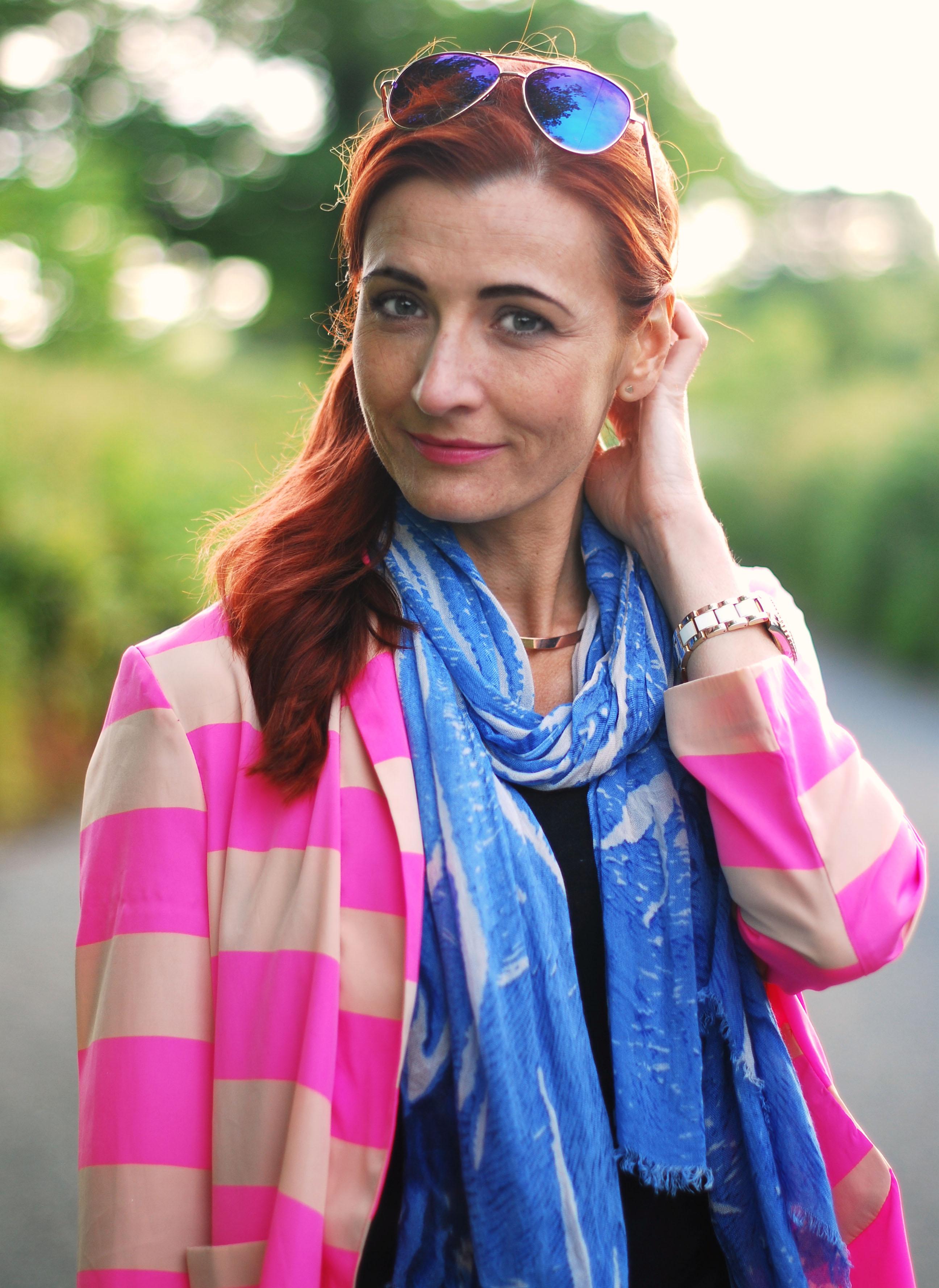 Neon pink stripes & blue scarf