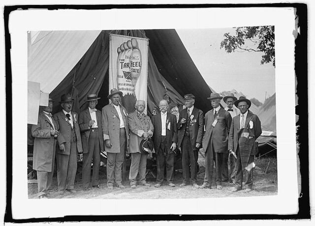 Confederate veterans at the 50th Reunion of the battle, held in Gettysburg in 1913. The National Photo Company news service posed a group from North Carolina with their Tar Heel banner (LOC)