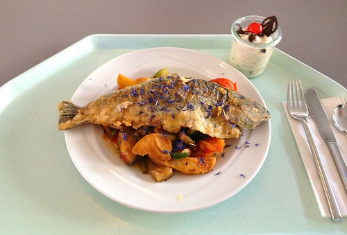 Gebratene Forelle auf Ratatouillegemüse / Fried trout on ratatouille vegetables
