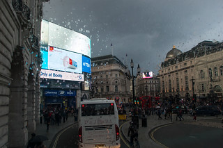 Vue sur Piccadilly Circus depuis le bus