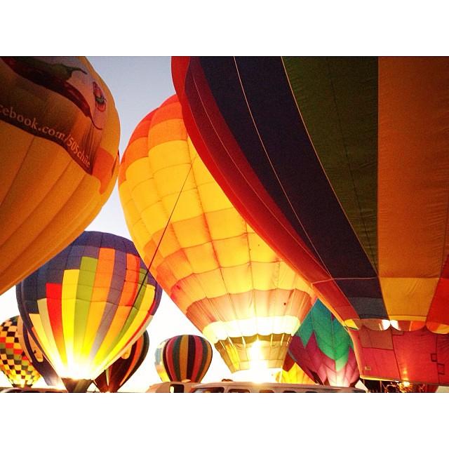 Pure magic. #balloonfiesta #balloonglow #albuquerque