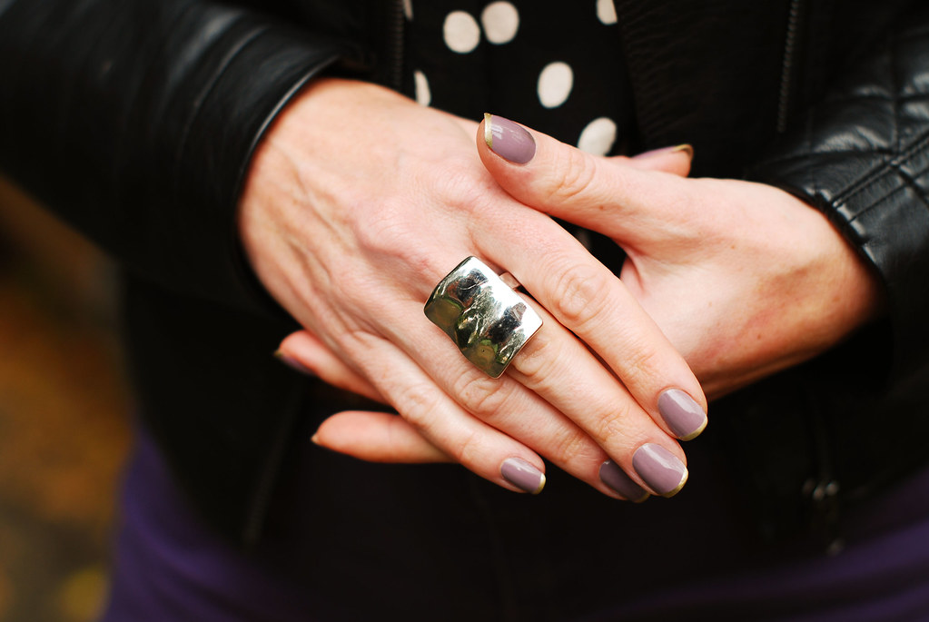 Mauve nails & gold tips manicure