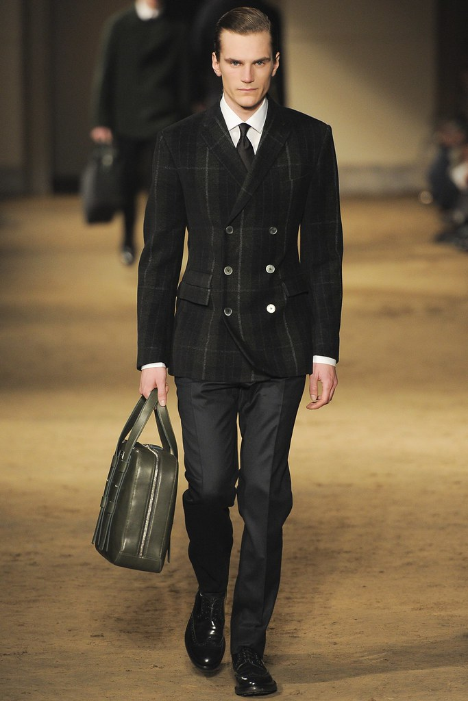 FW14 Milan Corneliani014_Anthon Wellsjo(VOGUE)