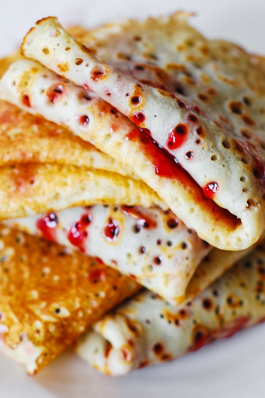 Easy crepes with jam or fruit preserves, fillings for crepes, crepe fillings, dessert crepe fillings, what are crepes filled with