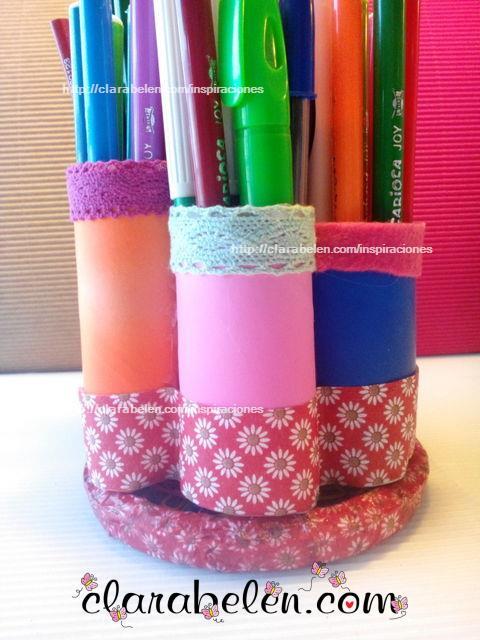 Organizador con tubos de cartón para lápices