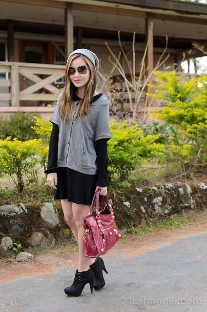 long-sleeves-black-dress
