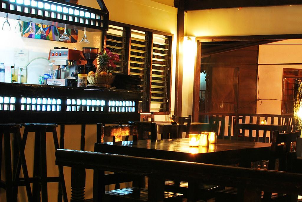 Trattoria Altrov'é, Italian Restaurant, El Nido, Palawan