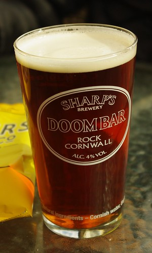 20140222-37_Full Pint of Beer - Doombar Ale