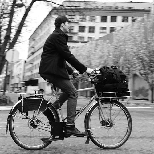 Portland bike commuter. #bikecommuter #gobybike