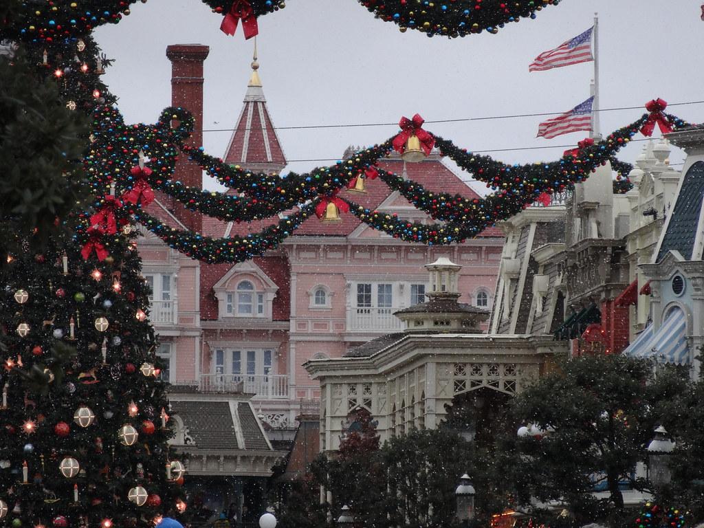 Un séjour pour la Noël à Disneyland et au Royaume d'Arendelle.... - Page 6 13899784663_f8332176d8_b
