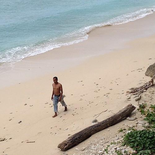 Pantai sumur tiga sabang pada suatu ketika #sabang #aceh #acehtrip #indonesia #beach #pantai #sumurtiga