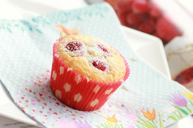 Desiccated Coconut & Raspberries Cupcakes