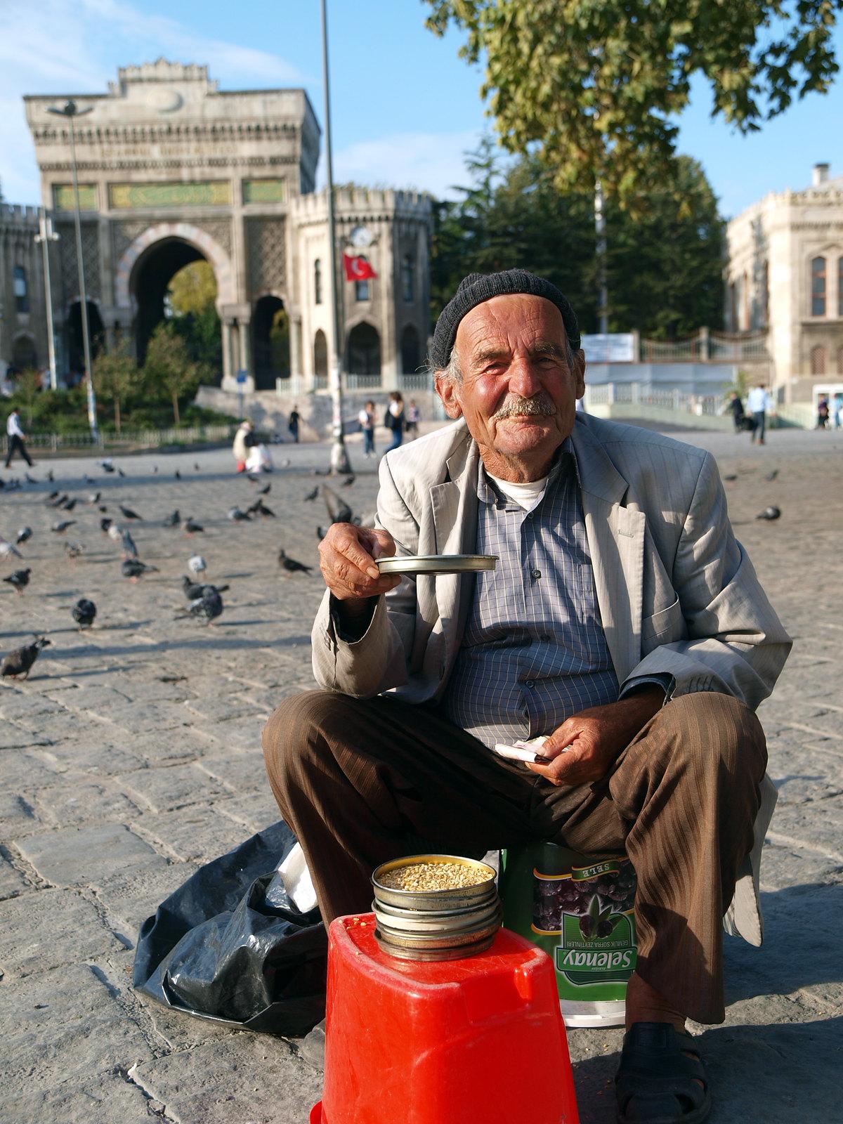 Portraits d'Istanbul - le vendeur de graines