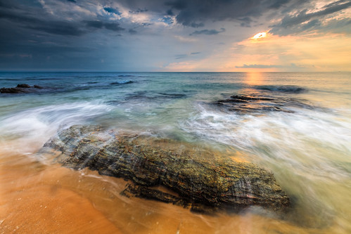 beach beautiful sunrise canon rocks day waves shine cloudy lee malaysia terengganu singleexposure singhray 5dmarkii 1635f28mk2