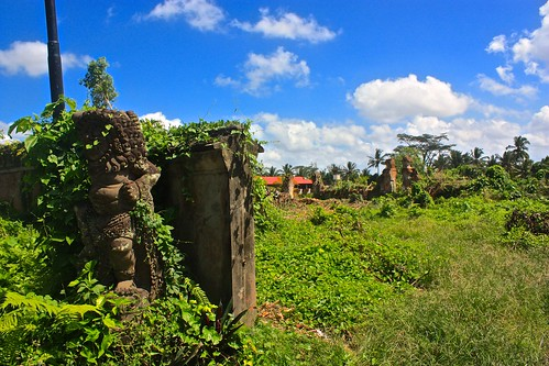 ruins outside of Ubud