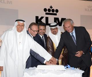 Cake Cutting_KLM 40th Cermoney