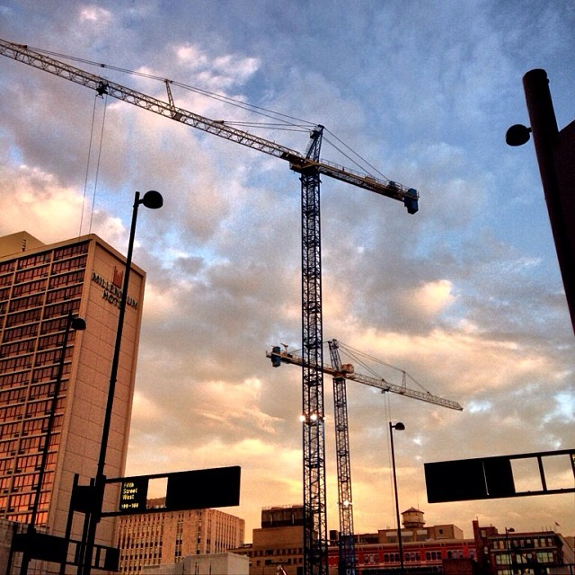 cranes in the morning #wherepigsfly #cincinnati #porkopolis #downtowncincy  #construction