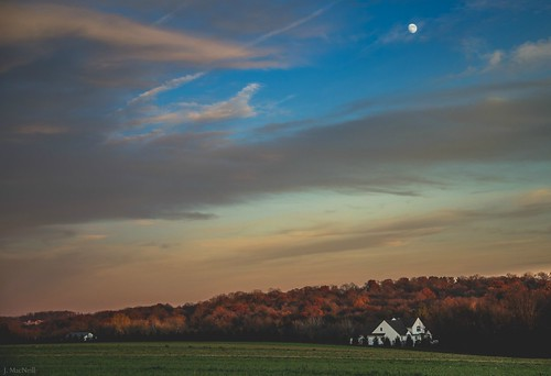november autumn sunset moon white house fall clouds rural landscape evening pennsylvania country pa chestercounty cochranville jennifermacneilltraylor jmacneilltraylor jennifermacneill jennifermacneillphotography homevilleroad