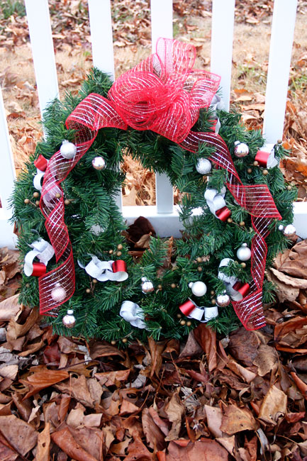 Wreath_by-fence