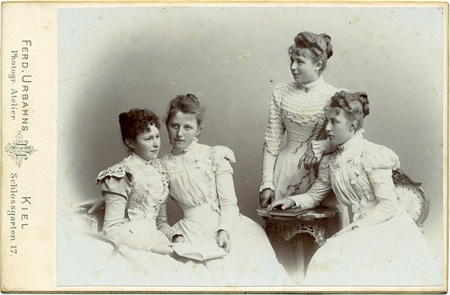 CAB Group portrait of four young women - Germany - c.1898