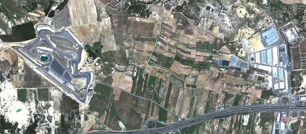 circuito de monteblanco, la palma del condado, huelva, ojo que este probablemente hasta funcione correctamente, después, urbanismo, planeamiento, urbano, desastre, urbanístico, construcción, rotondas, carretera