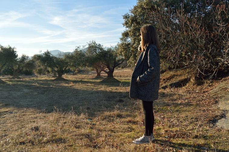 lara-vazquez-madlulablog-style-black-outfit-landscape-freedom