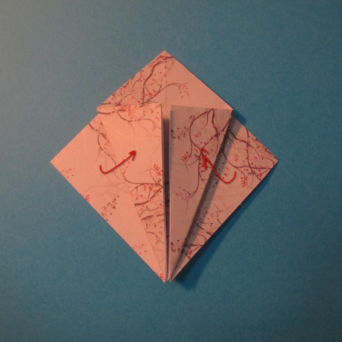 วิธีการพับกระดาษเป็นดาวสี่แฉก 009