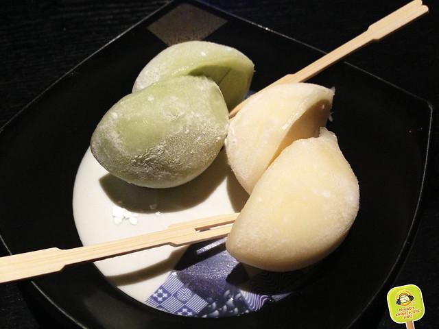 sushi yasaka - ice cream mochi