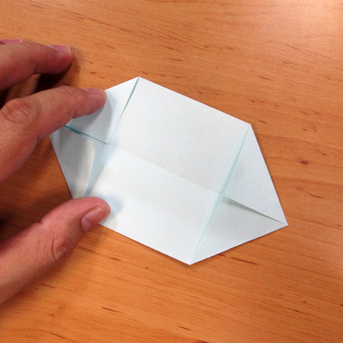 วิธีการพับกระดาษเป็นดอกบัวแบบแยกประกอบส่วน 010