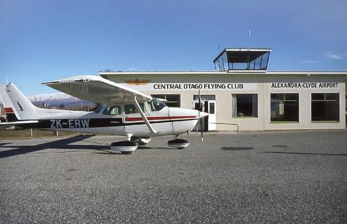 newzealand airport southisland cessna aerodrome zkerw alexandraclydeairport alexandraclyde