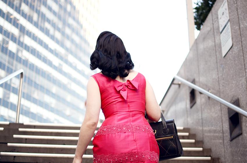 vintage-pink-dress-bow