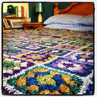 I love that keeping on top of the decluttering this year means it doesn't take long to make the room nice enough for a blanket picture #40days40bags #crochet