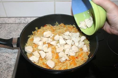 36 - Hähnchenbrustwürfel hinzufügen / Add chicken dices