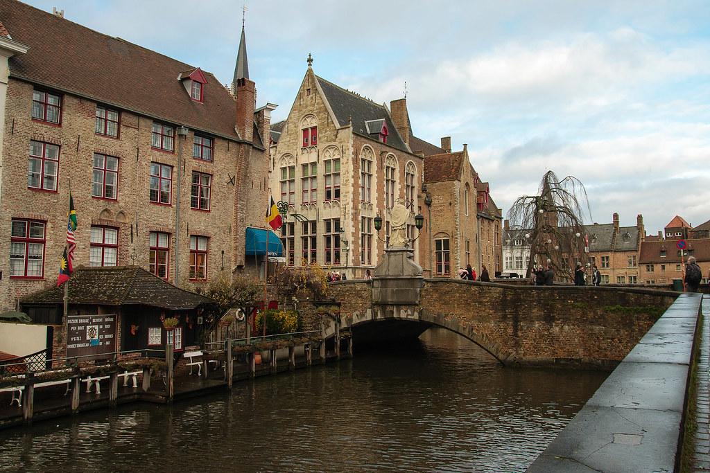 תעלות בברוז הבלגית